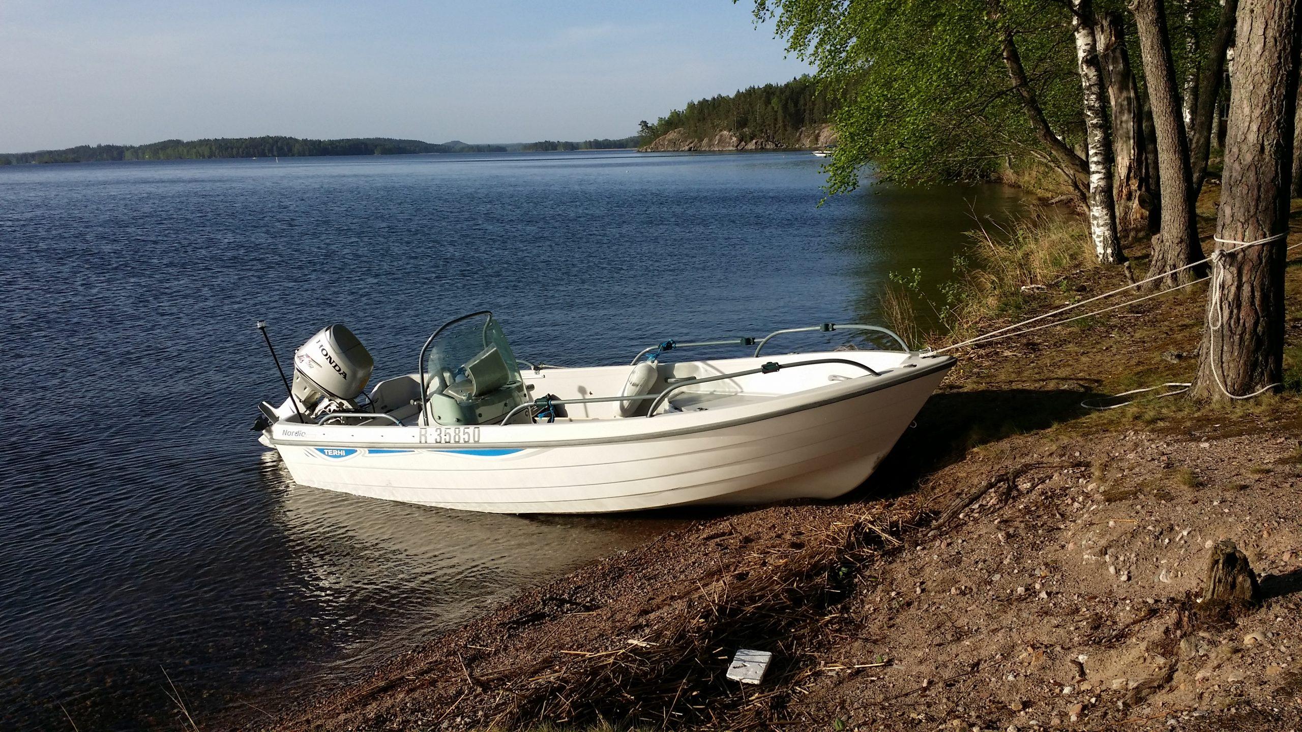 Päiväretkivene on turvallinen ja helppokäyttöinen